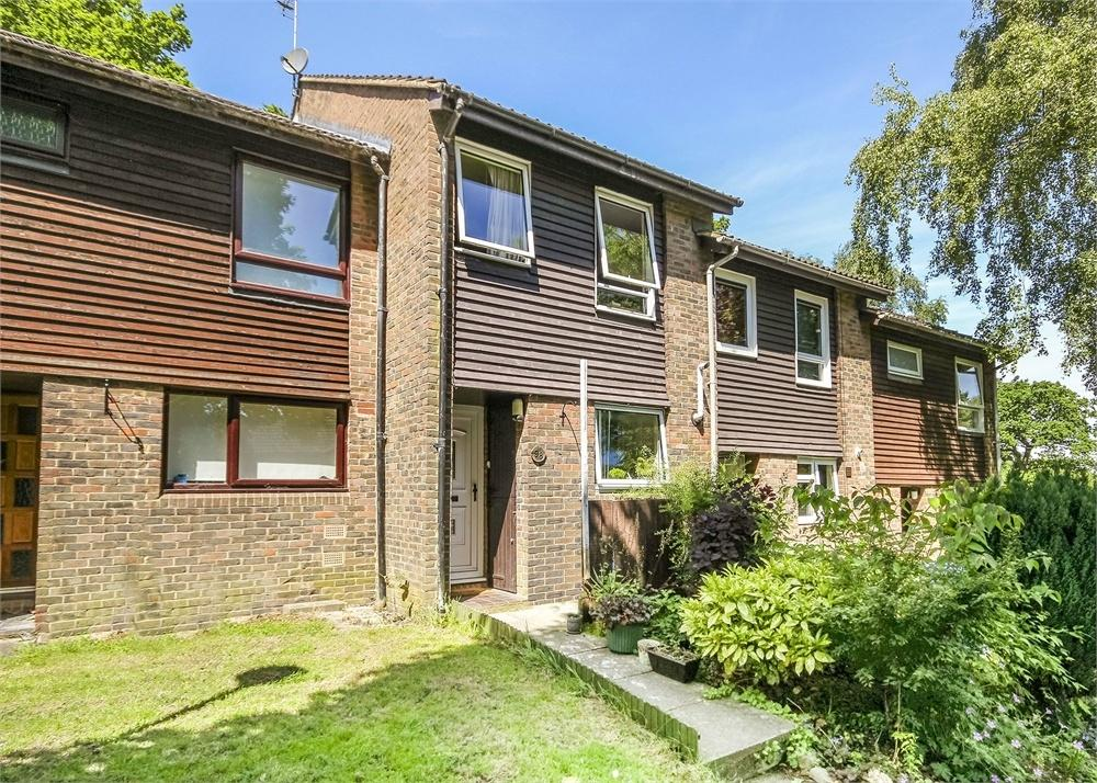 3 Bedrooms Terraced House for sale in Hillberry, Birch Hill, Bracknell, Berkshire