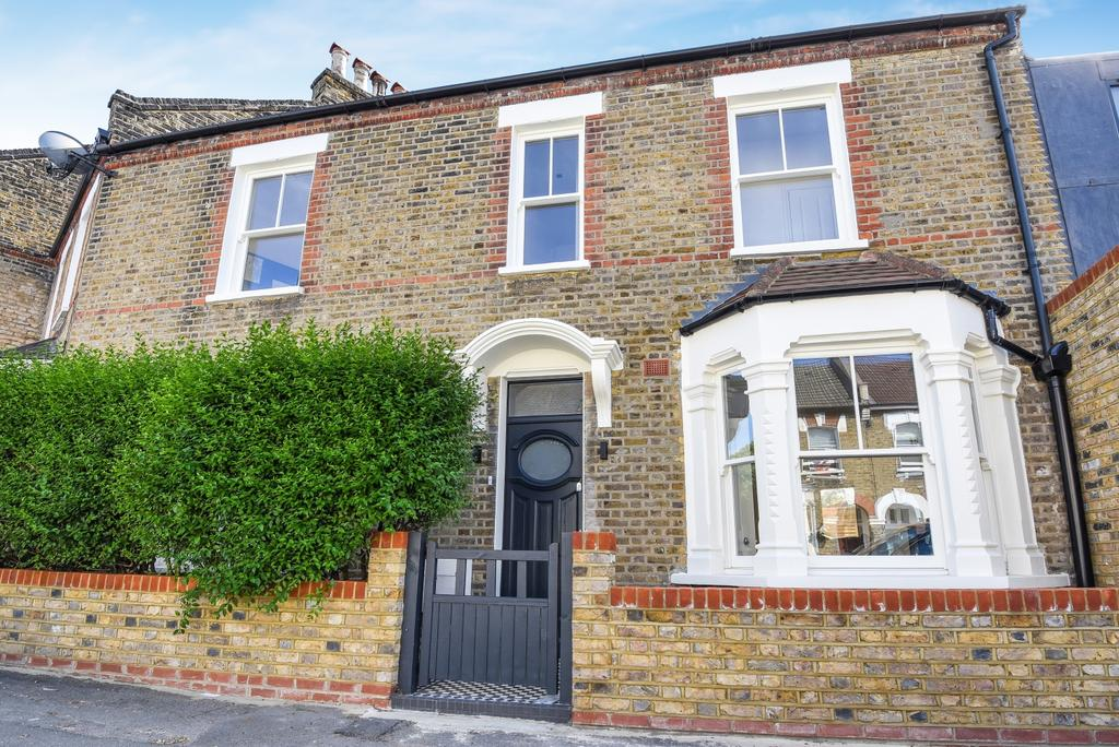 4 Bedrooms Terraced House for sale in Crawthew Grove East Dulwich SE22
