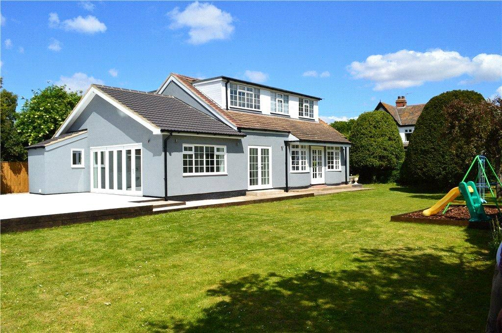 4 Bedrooms Detached House for sale in Bulwick Avenue, Scartho, DN33