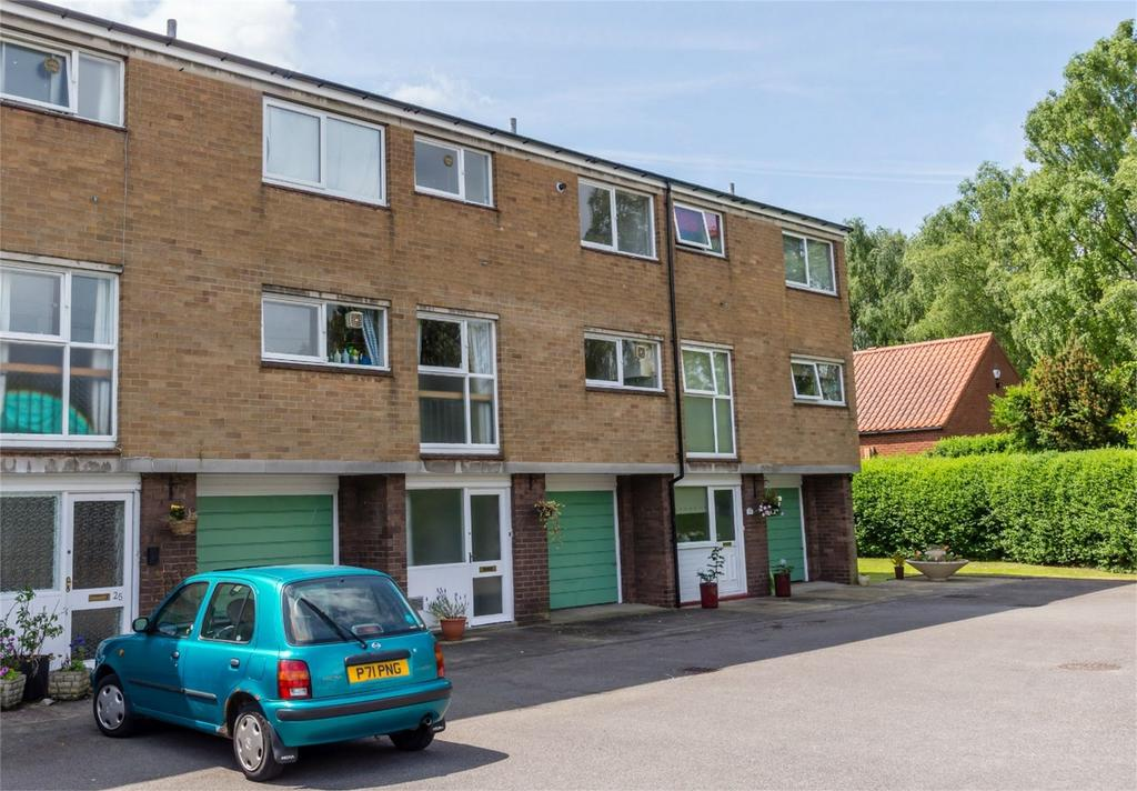 3 Bedrooms Terraced House for sale in Ashfield Court, Tadcaster Road, York