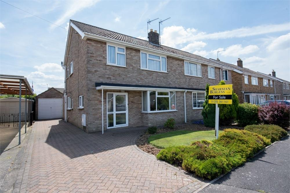 3 Bedrooms Semi Detached House for sale in Monteith Crescent, Boston, Lincolnshire