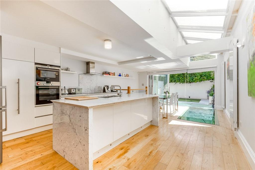 5 Bedrooms Terraced House for sale in Cortayne Road, Fulham, London, SW6