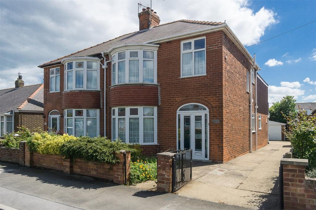 4 Bedrooms Semi Detached House for sale in Hull Road, Withernsea, East Riding of Yorkshire