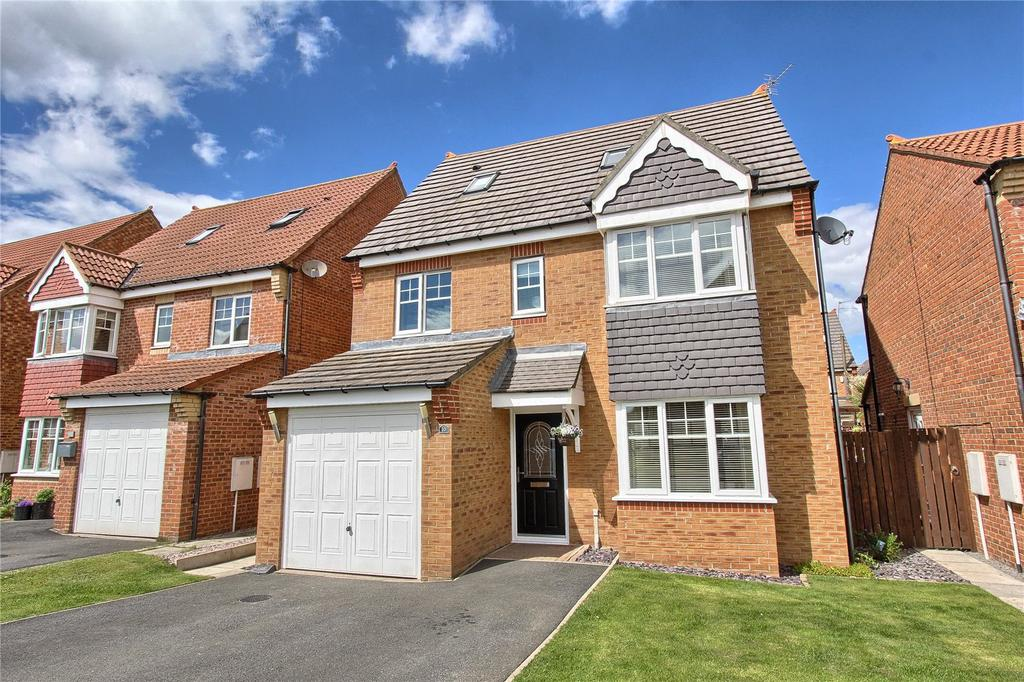 5 Bedrooms Detached House for sale in Grenadier Close, Bramley Green