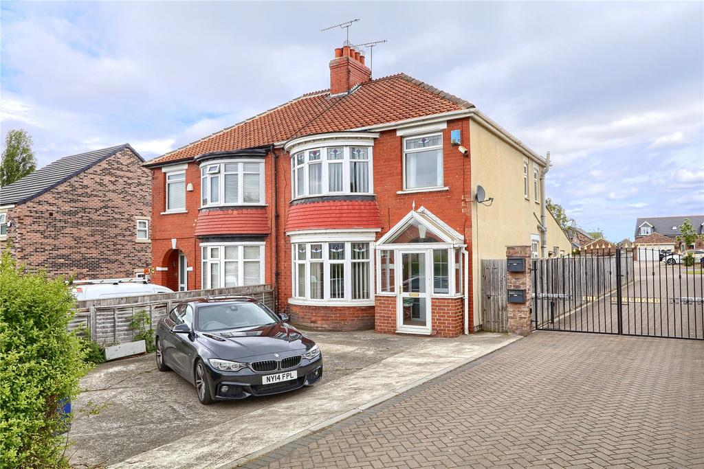 3 Bedrooms Semi Detached House for sale in Ormesby Bank, Ormesby