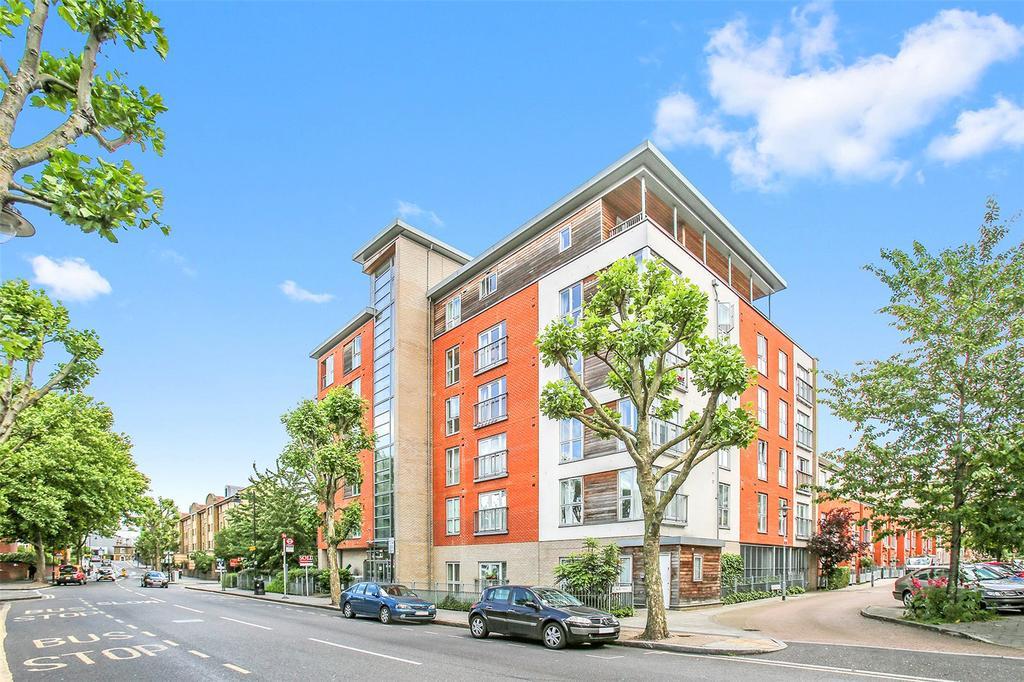 1 Bedroom Flat for sale in Heathfield Court, 248 Tredegar Road, London, E3