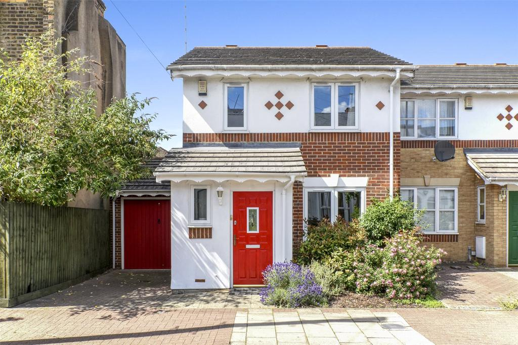 3 Bedrooms End Of Terrace House for sale in Ham Park Road, London, E15