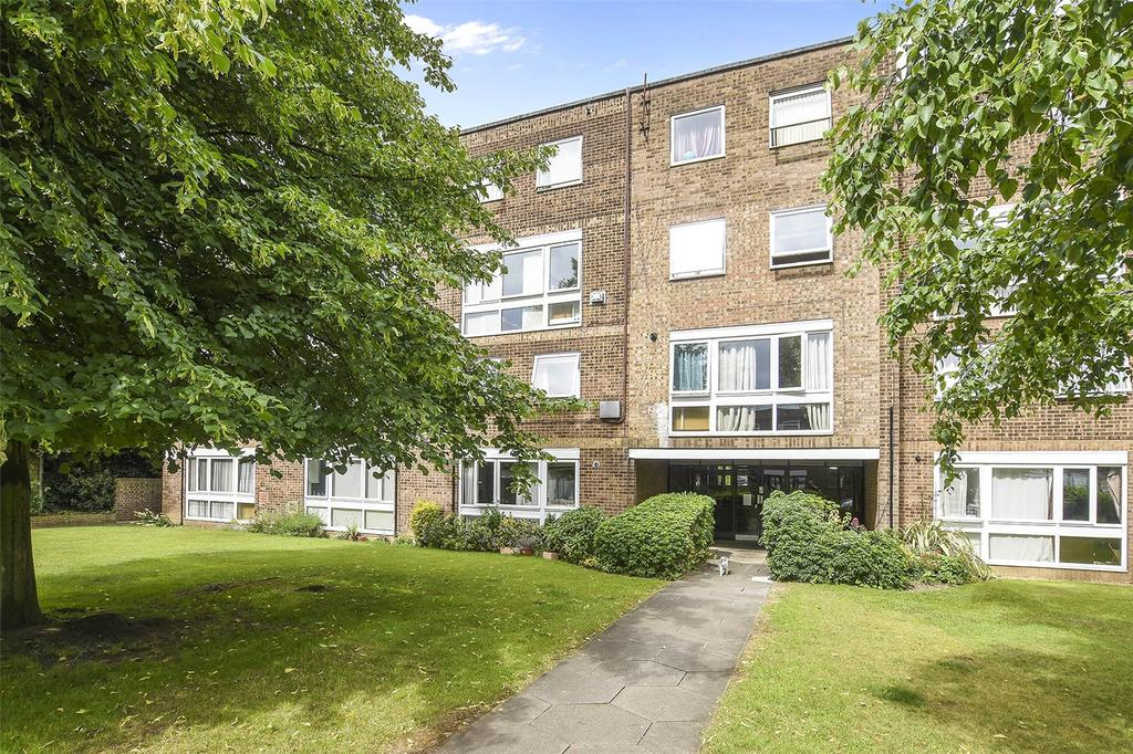 2 Bedrooms Flat for sale in Helmsley, Cleveland Road, London, E18