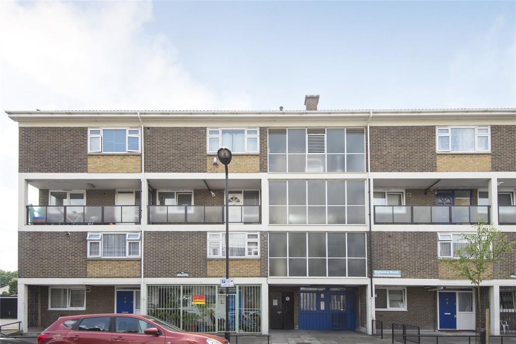 3 Bedrooms Flat for sale in Ballance Road, Hackney, London, E9