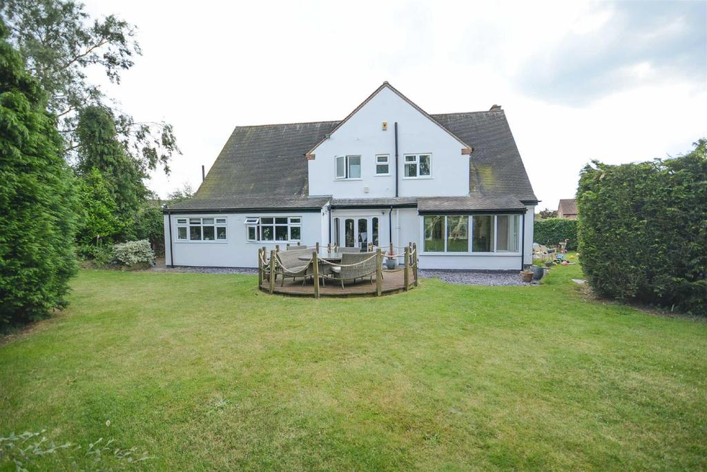 4 Bedrooms Detached House for sale in Station Road, Plumtree, Nottingham