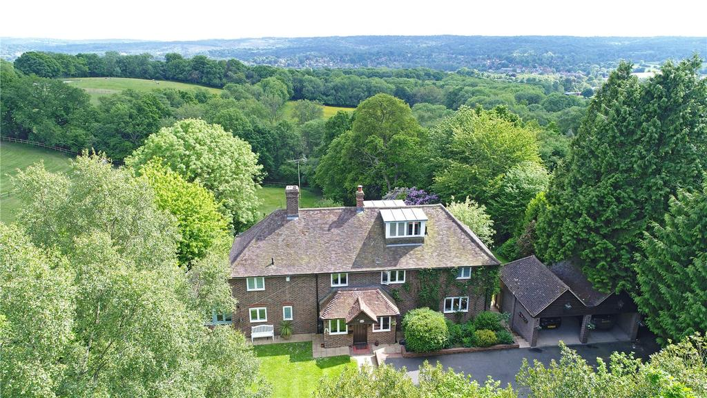 5 Bedrooms Detached House for sale in Cansiron Lane, Ashurst Wood, East Grinstead, West Sussex, RH19