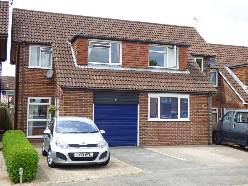 3 Bedrooms House for sale in Ruspers, Burgess Hill, RH15