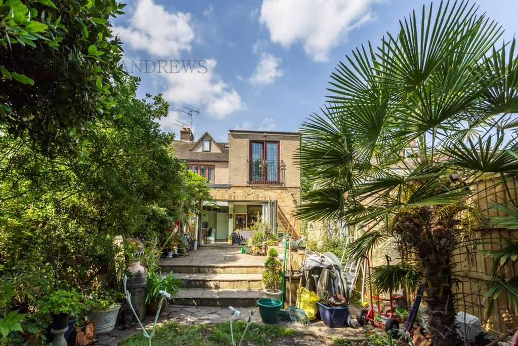 5 Bedrooms House for sale in Kent Gardens, Ealing, W13