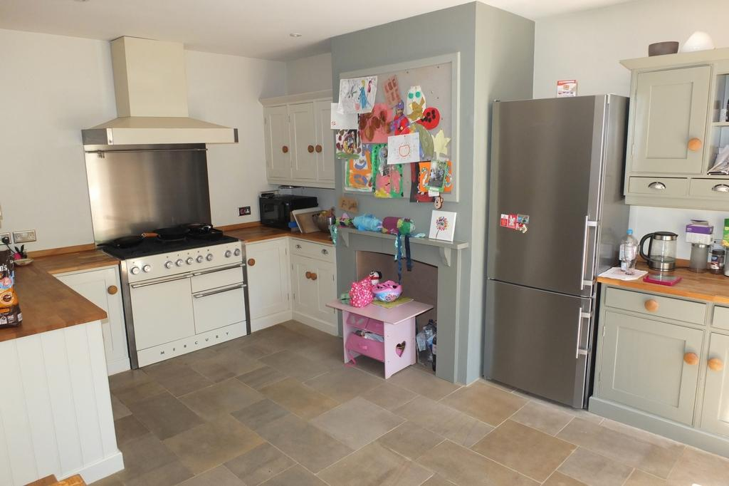 4 Bedrooms House for sale in Stockcroft Road, Balcombe, RH17