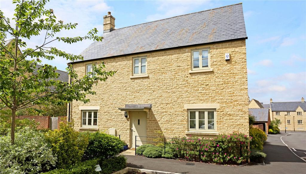 4 Bedrooms Detached House for sale in Buncombe Way, Cirencester, Gloucestershire