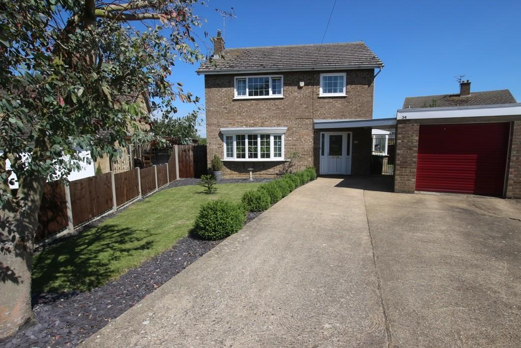 3 Bedrooms Detached House for sale in St Andrews Way, Ely