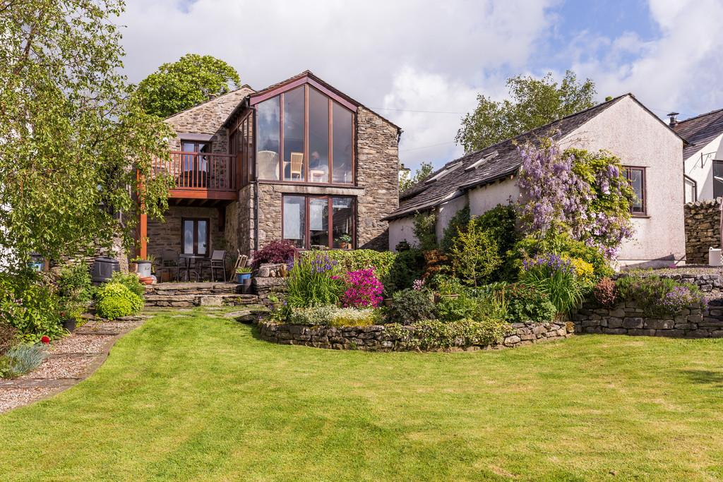 4 Bedrooms Barn Conversion Character Property for sale in Gilpin Green Barn, Crosthwaite, Kendal, LA8 8HX