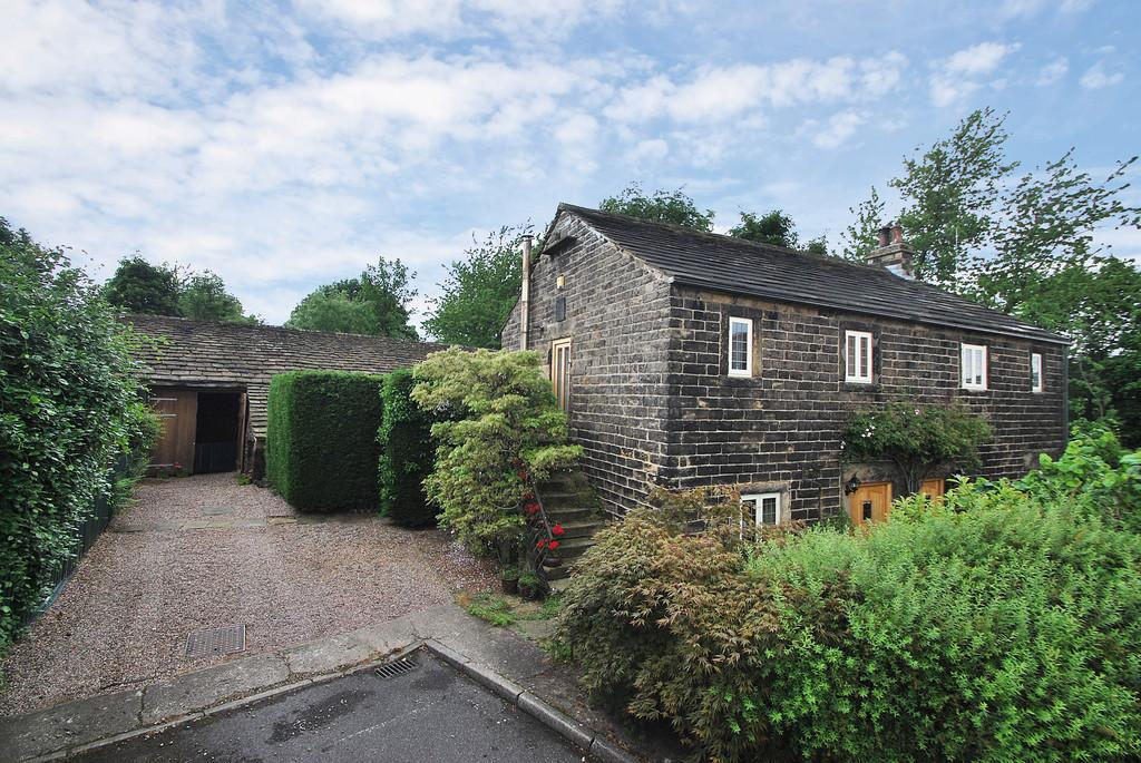4 Bedrooms Barn Conversion Character Property for sale in Broomfield Barn, Stocksbridge, S36