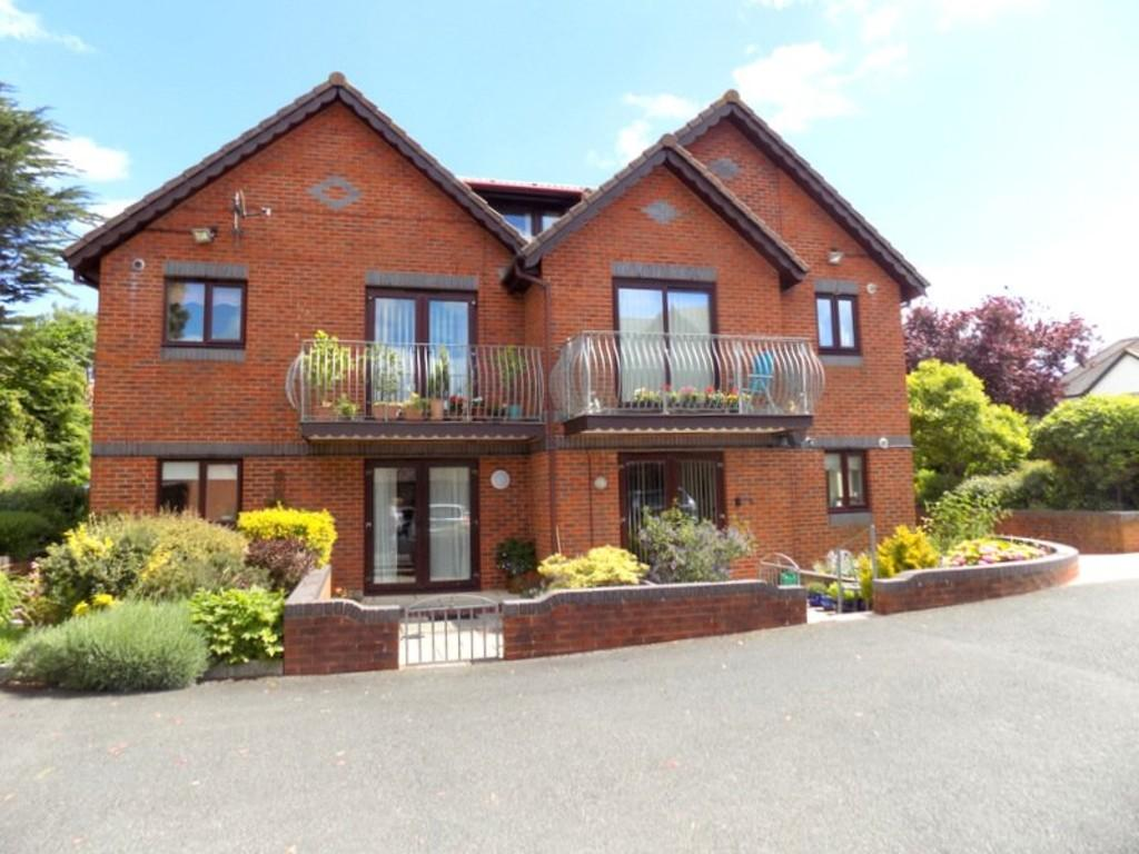 2 Bedrooms Ground Flat for sale in Raddenstile Lane, Exmouth