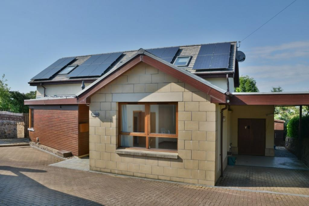 3 Bedrooms Detached House for sale in Cruachan Dennistoun Road, Langbank, PA14 6XH
