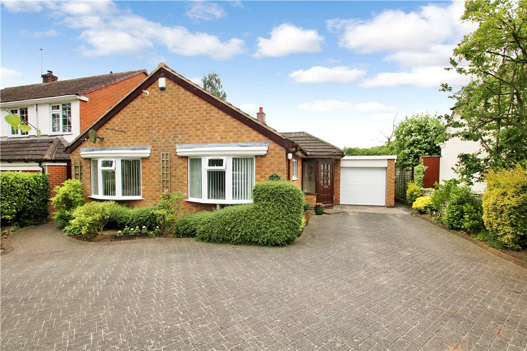 2 Bedrooms Detached Bungalow for sale in Pratts Lane, Mappleborough Green, Studley, B80