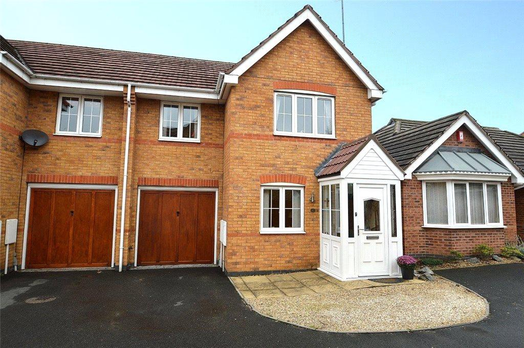 3 Bedrooms Semi Detached House for sale in Oakden Place, Kidderminster, Worcestershire, DY11