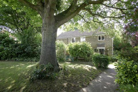 5 bedroom detached house for sale - Amderley Drive, Eaton