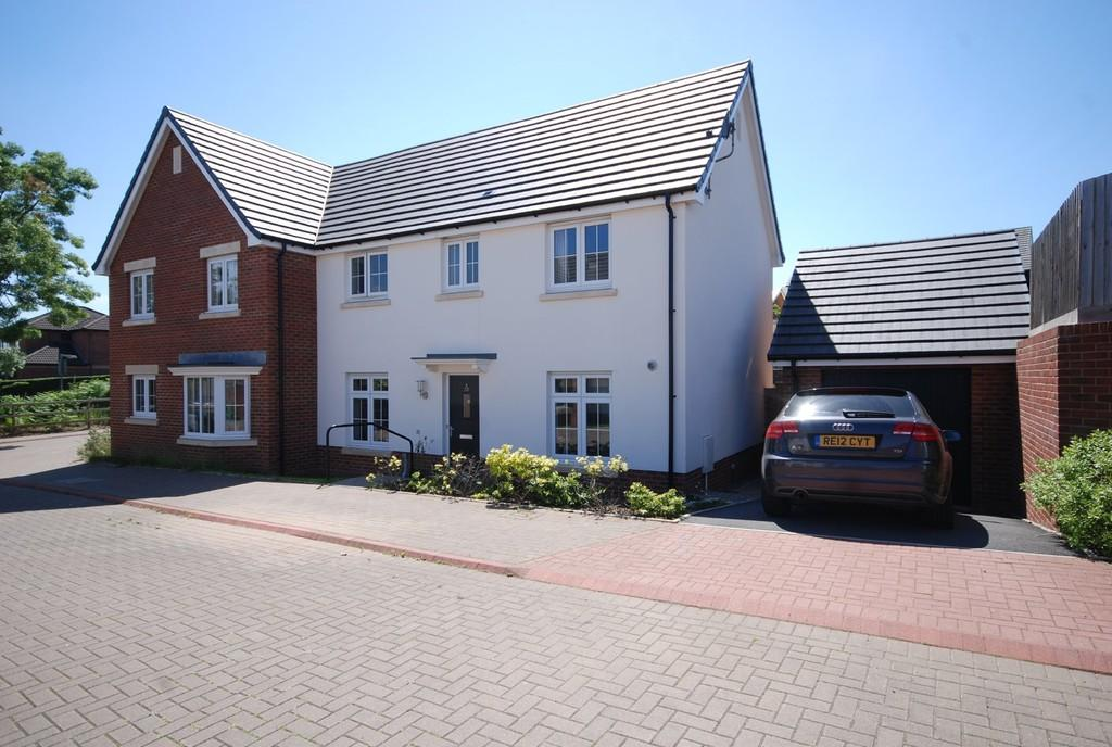 3 Bedrooms Semi Detached House for sale in Bryn Celyn, Llanharry, Near Pontyclun, CF72 9ZE