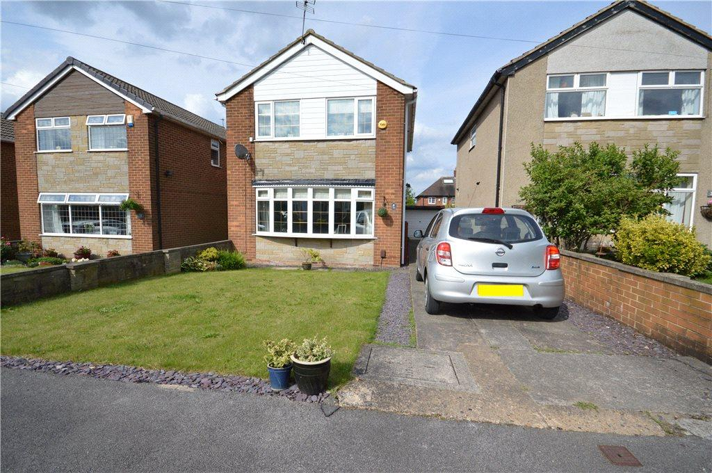 3 Bedrooms Detached House for sale in Bruntcliffe Drive, Morley, Leeds, West Yorkshire