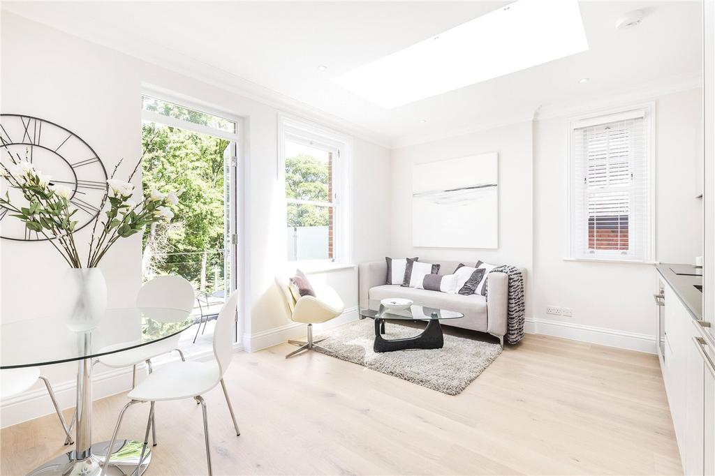2 Bedrooms Flat for sale in Fountain House, 138 West Hill, London, SW15