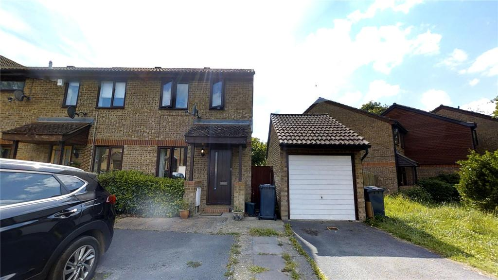 2 Bedrooms End Of Terrace House for sale in Hanson Close, Guildford, Surrey, GU4