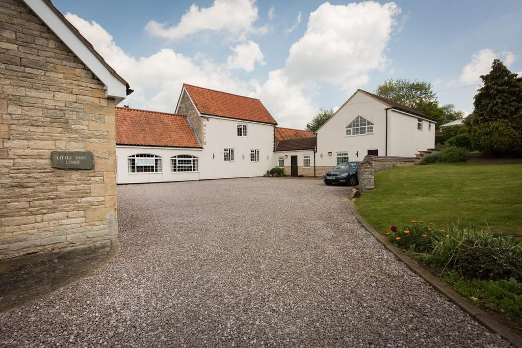 5 Bedrooms Barn Conversion Character Property for sale in Paddock Close, Ropsley