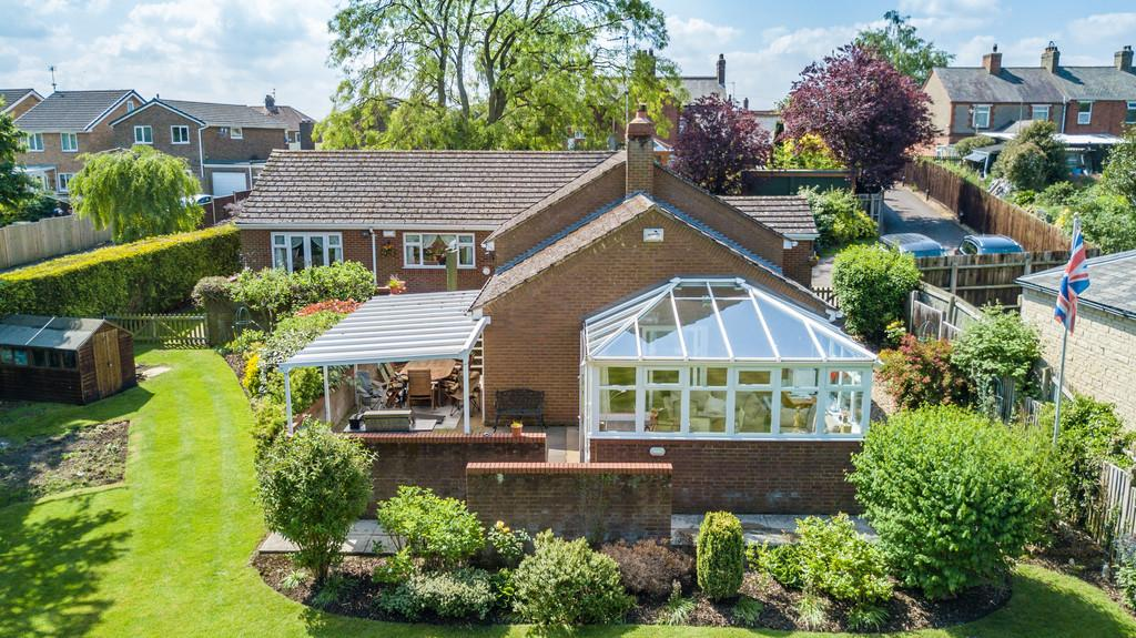 4 Bedrooms Detached House for sale in Corby Road, Weldon