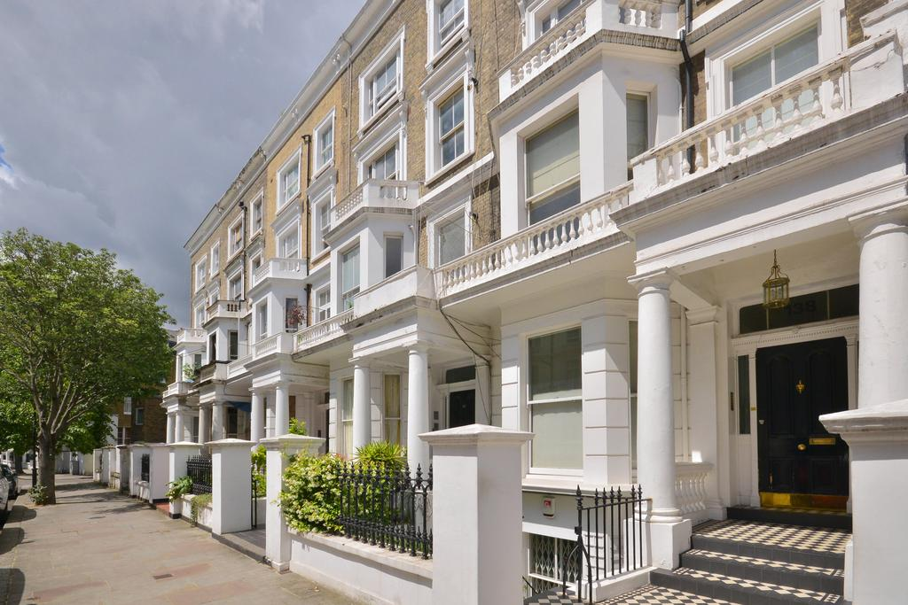 2 Bedrooms Flat for sale in Lexham Gardens, London. W8