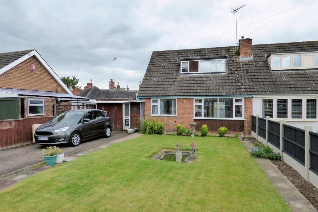 2 Bedrooms Bungalow for sale in Croft Close, Rolleston-on-dove