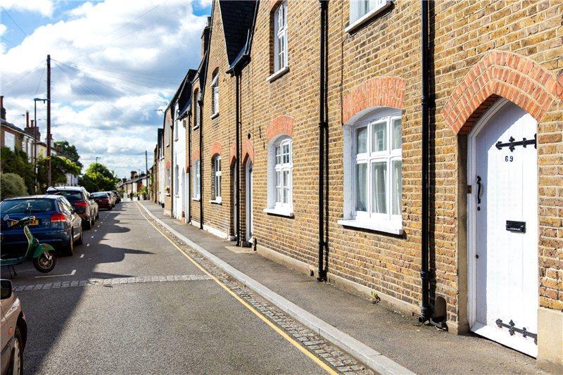 3 Bedrooms Terraced House for sale in Denmark Road, Wimbledon Village, London, SW19