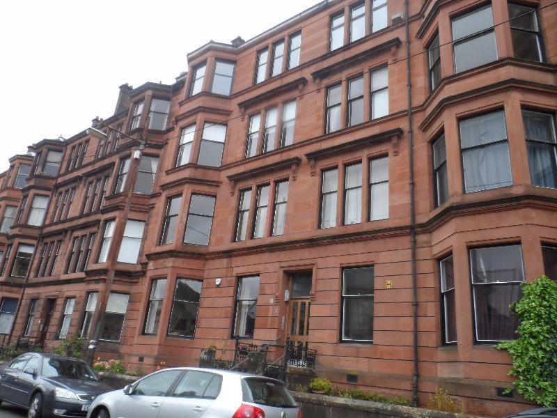 3 Bedrooms Flat for rent in Cranworth Street, Hillhead, Glasgow