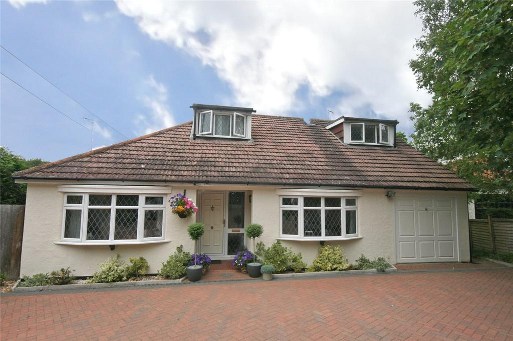4 Bedrooms Detached House for sale in Turpins Chase, Welwyn, Hertfordshire
