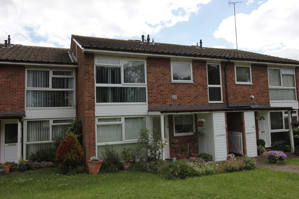 2 Bedrooms Maisonette Flat for sale in Coldharbour Lane , Harpenden, Herts, AL5 4NH