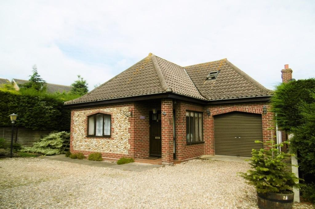 3 Bedrooms Chalet House for sale in Sheringham