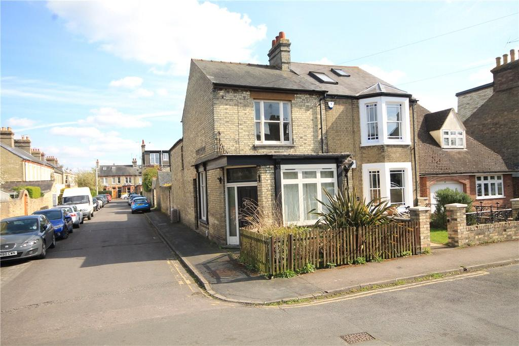 3 Bedrooms Semi Detached House for sale in Richmond Road, Cambridge, CB4