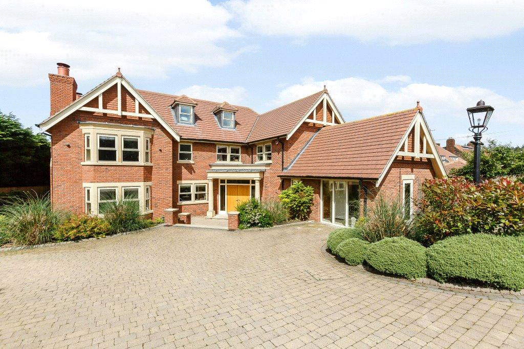 6 Bedrooms Detached House for sale in Crimple Manor, Pannal, Near Harrogate, North Yorkshire, HG3