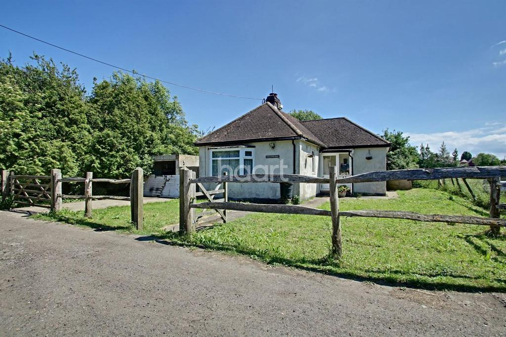 2 Bedrooms Bungalow for sale in Norman Road, Eastchurch