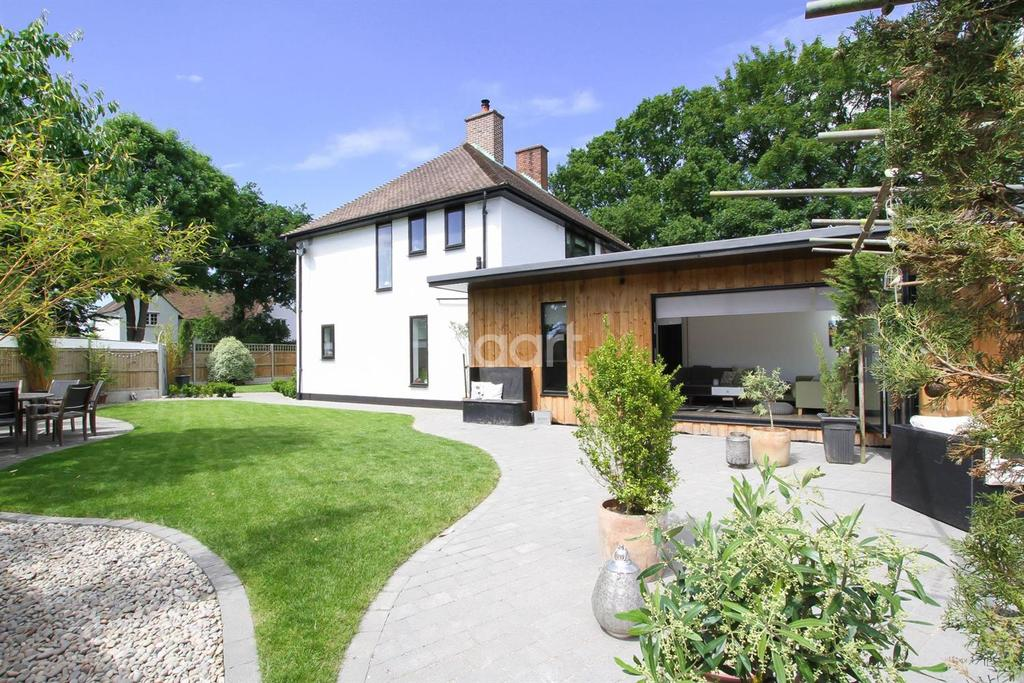 3 Bedrooms Semi Detached House for sale in Church Road