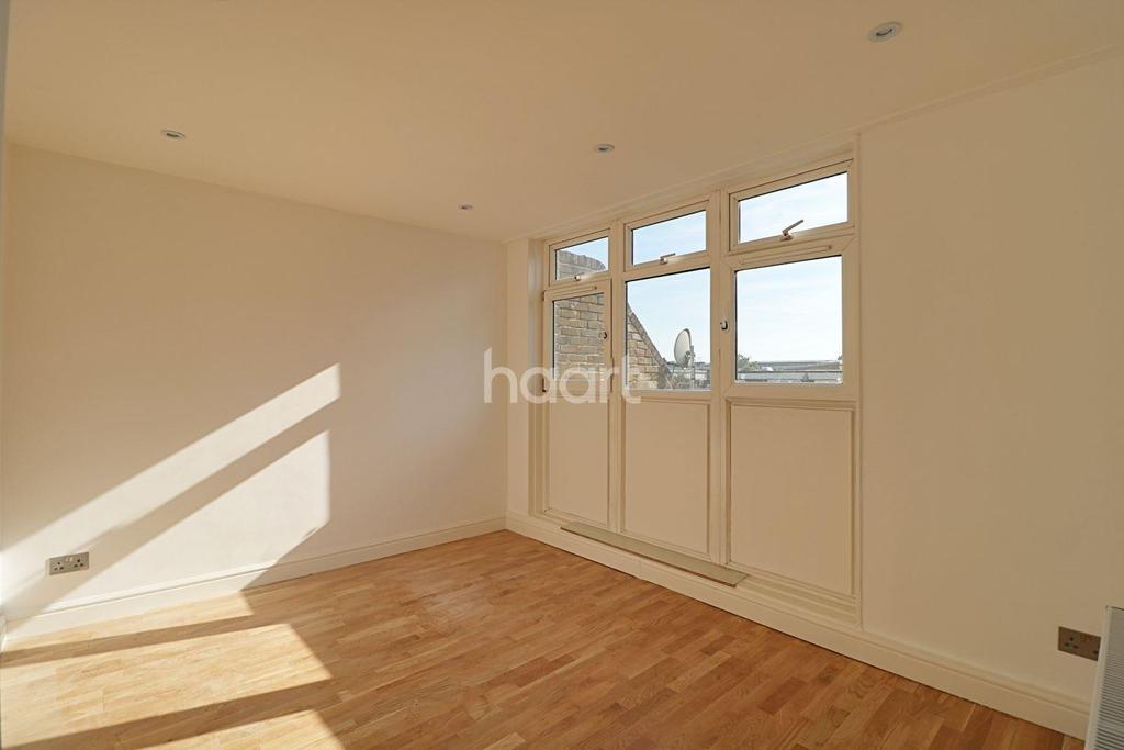 3 Bedrooms Maisonette Flat for sale in Stockwell Park Road, Stockwell, SW9