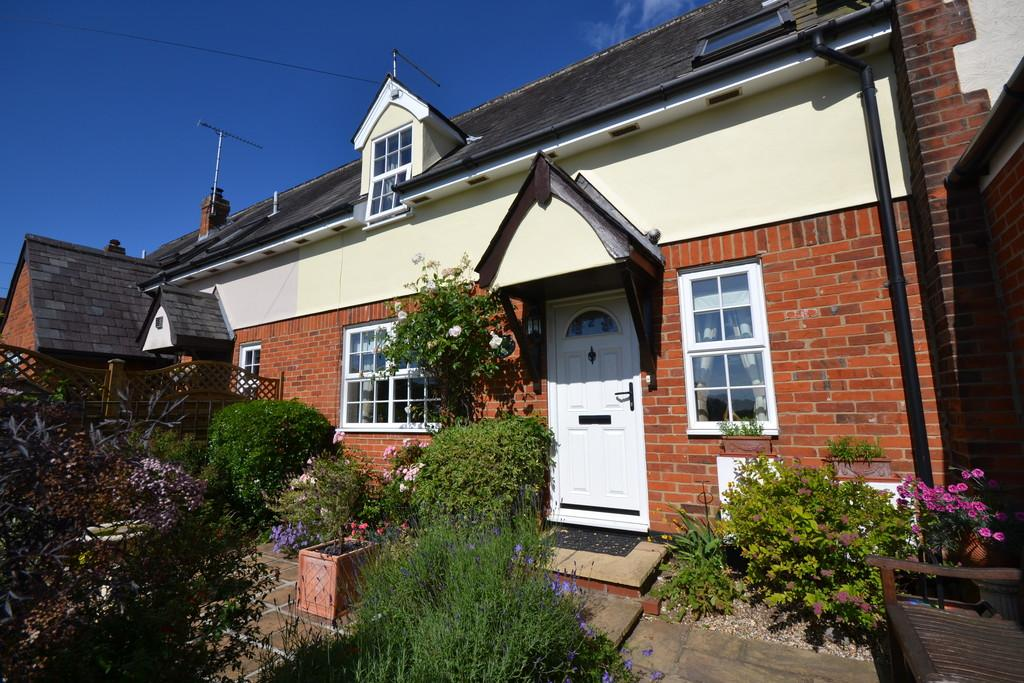 2 Bedrooms Cottage House for sale in School Lane, Newport