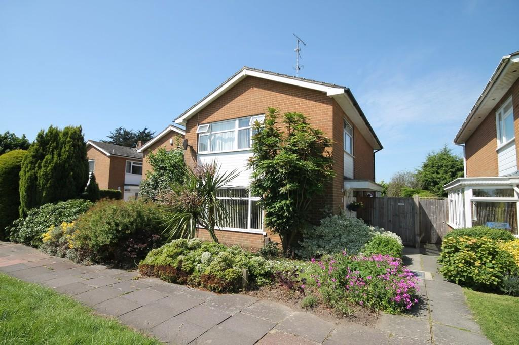 3 Bedrooms Detached House for sale in Goring Way, Goring-by-sea, BN12 4UH