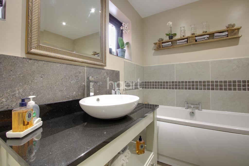 4 Bedrooms Detached House for sale in Orchard Drive, West Walton