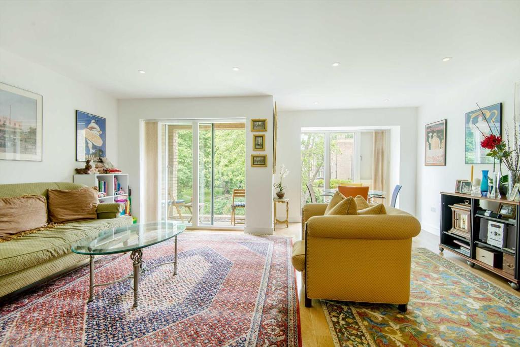 3 Bedrooms Flat for sale in Beckett House, WC1H