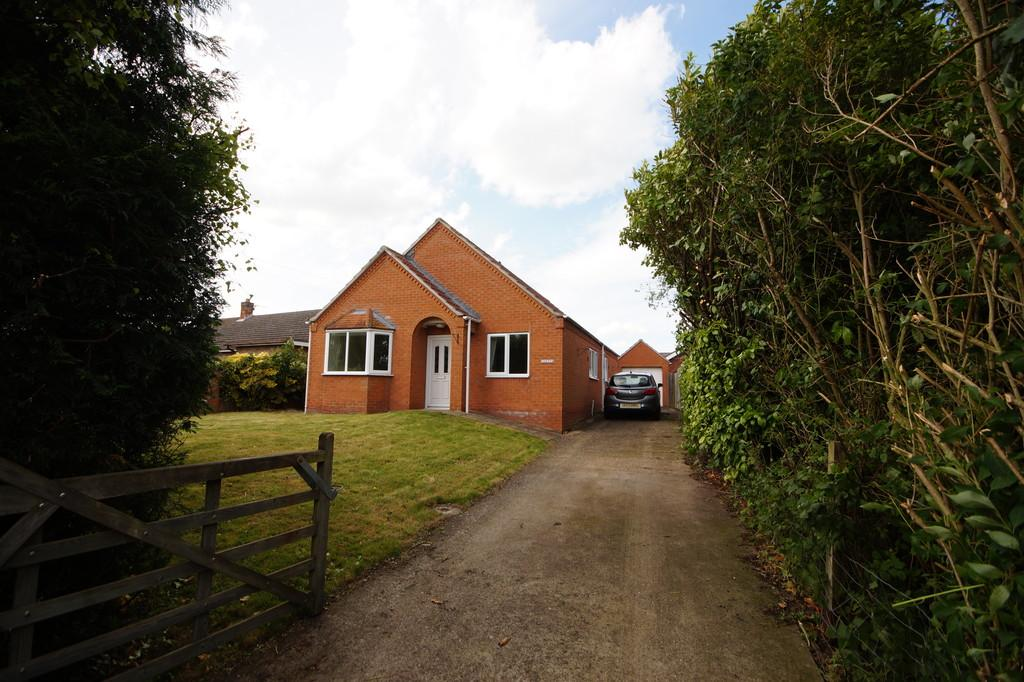 3 Bedrooms Detached Bungalow for sale in Lowthorpe, Southrey, Lincoln